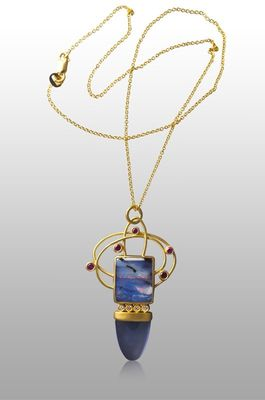 gold-pendant-opal-chalcedony-ruby